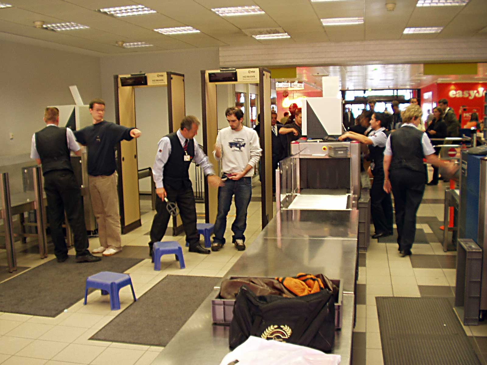 airport security how the use of Security camera setup advice for airport terminals position cameras at all entrances and exits in order to capture footage of everyone who passes through the airport monitor all open areas to get continuous overall footage of airport activity.